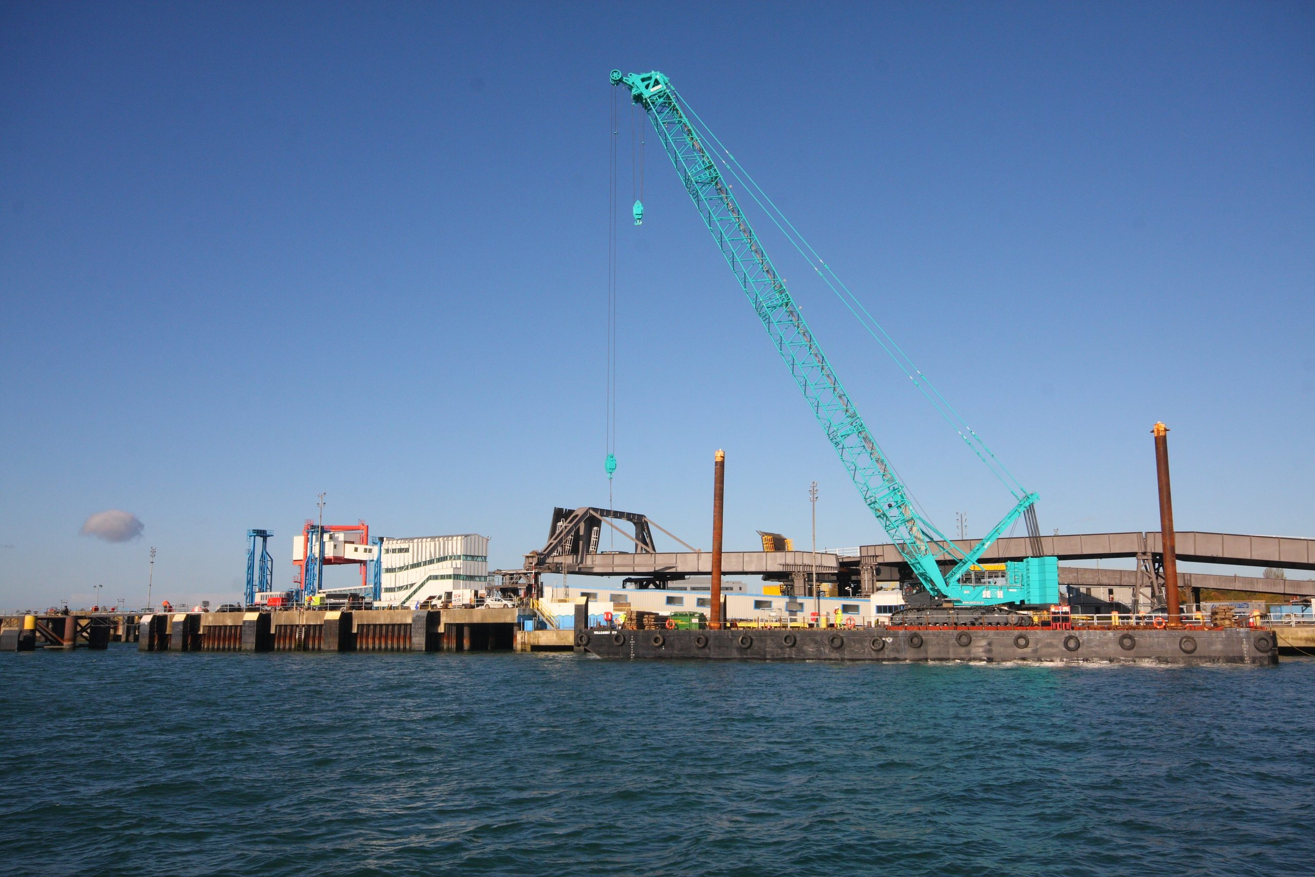 Berth 2 Crane - Wide Shot